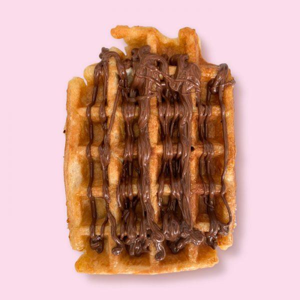 Verse Luikse wafel van Pinky met Nutella