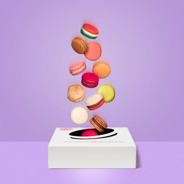 Kleurrijke en glutenvrije macarons in 12 smaken in cadeaubox
