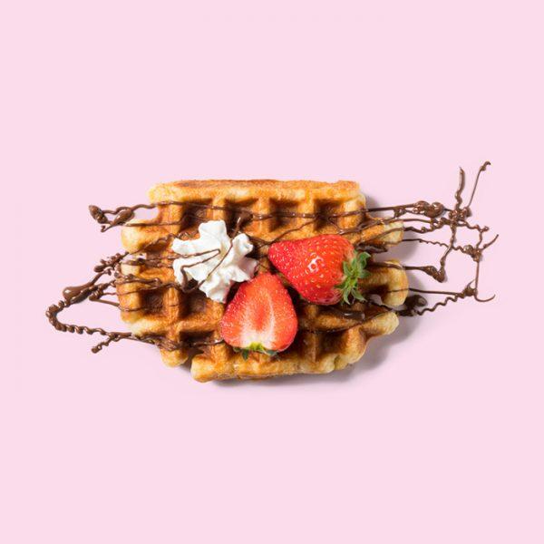 Verse Luikse wafel van Pinky met Nutella en Aardbei